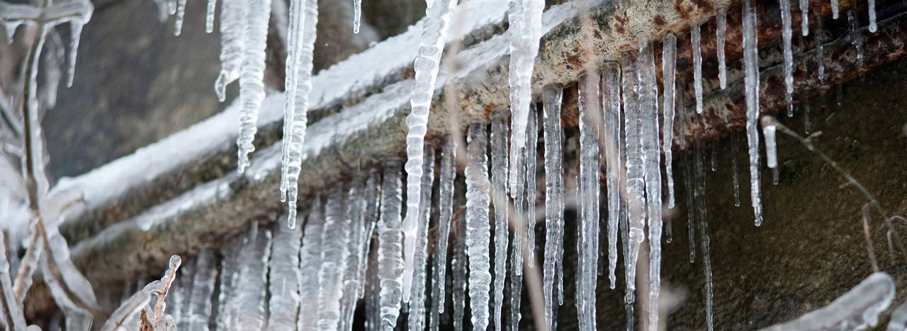 Preventing & Thawing Frozen Pipes | American Red Cross