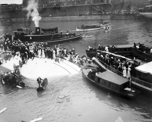 Eastland Disaster image