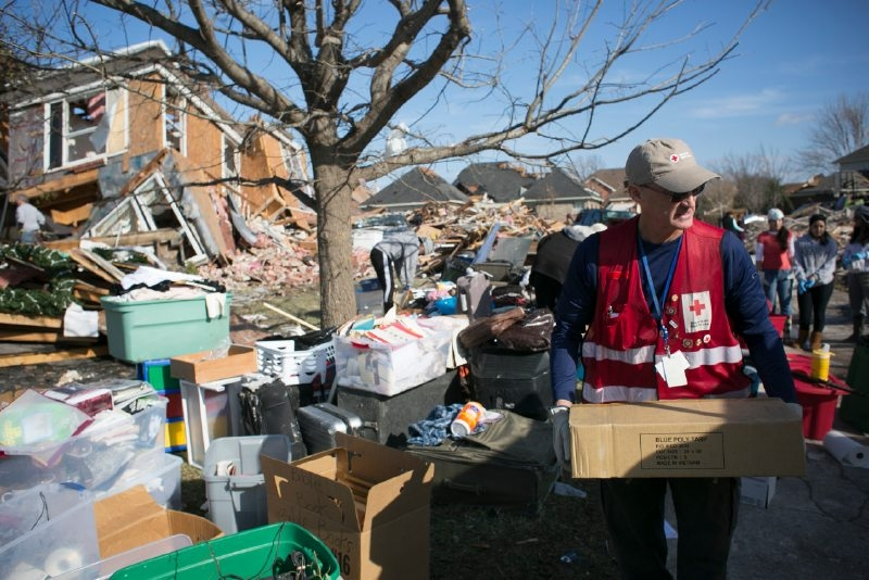 Red Cross Helps in Midwest; Floods a Threat Until Mid-January