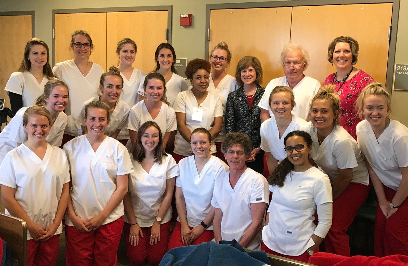 Cna Become A Certified Nursing Assistant Red Cross